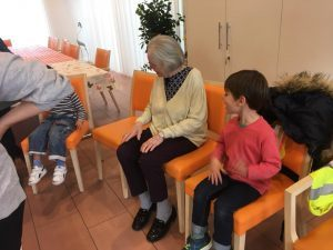 Children visiting EMS Mies bilingual daycare