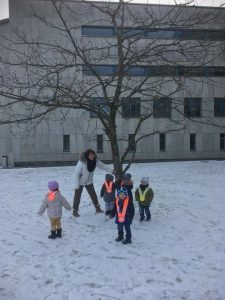 Snow game Bulle bilingual daycare