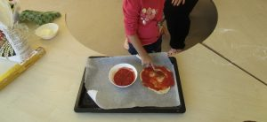 pizza preparation Bulle bilingual daycare